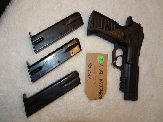 Italy made E.A. Witness 40 S&W Semi auto Pistol w/4 clips