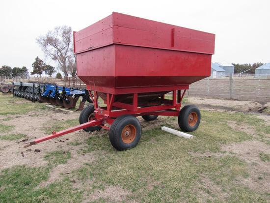 MW 250 bu Gravity Wagon with Extensions