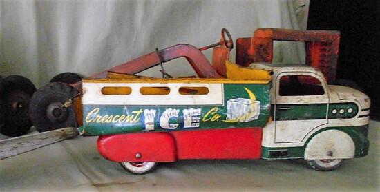 Metal Crescent Ice Truck