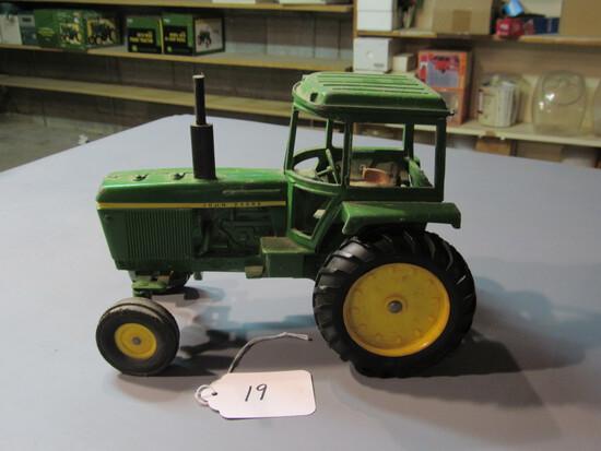 "diecast JD ""4430"" tractor"