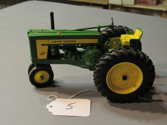 "diecast JD ""620"" tractor"