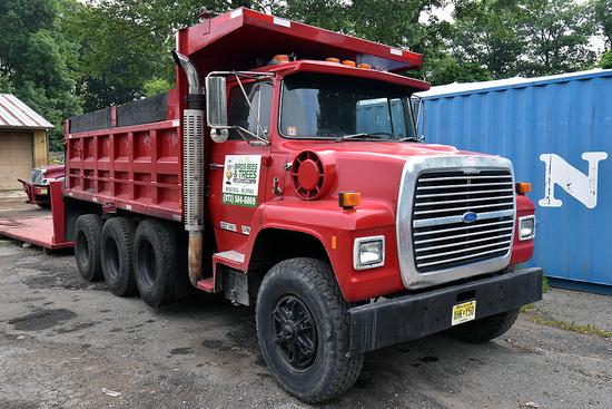 1987 Ford LNT8000 tri-axle dump truck