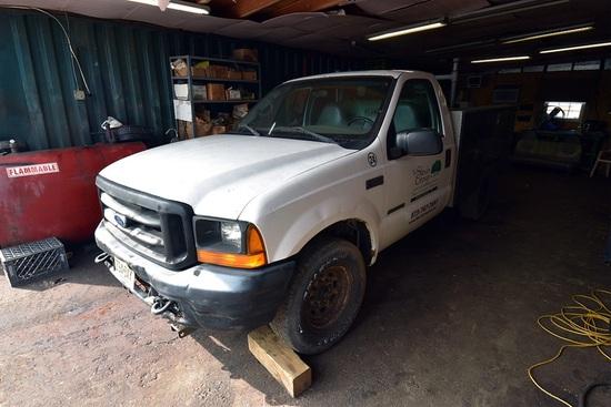 2001 Ford F-250 Xl 2wd Utility Truck