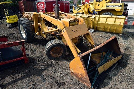 Allis Chalmers 615 Front End Loader/tractor