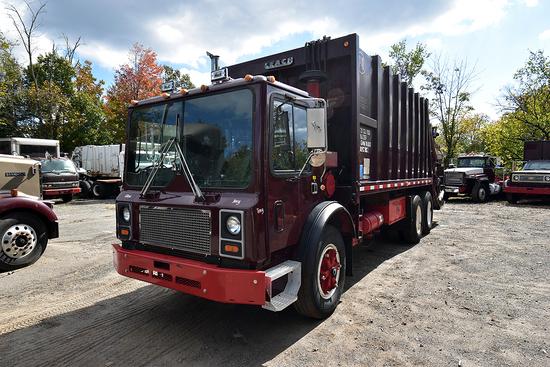 1989 Mack MR690S Tandem Axle Garbage Truck