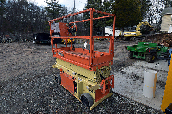 2015 JLG Model 1932RS Scissor Lift, 19'
