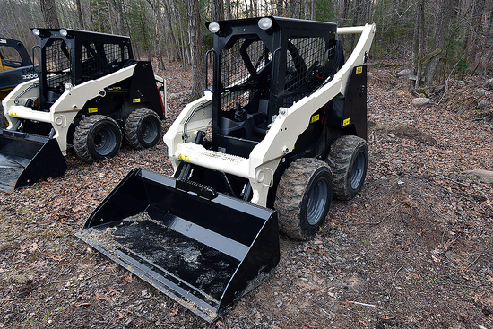 "2019 Terex V200S Skid Steer w/ Pneumatic Tires & 67"" Bucket"