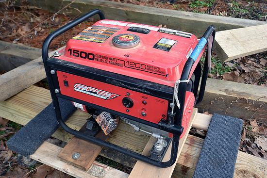 Champion Model 42492CPE, 1,500 Watt Gas Generator