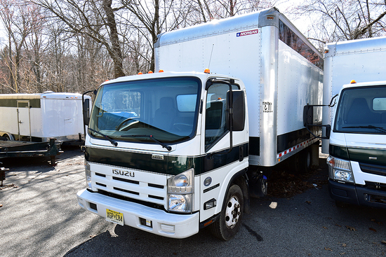 2015 Isuzu NPR 20' Box Truck