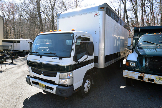 2012 Mitsubishi Fuso FE 20' Box Truck