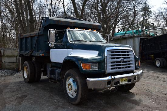 1998 Ford F-800 Single Axle Dump Truck