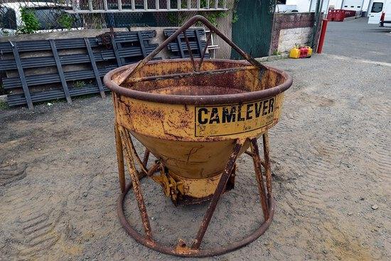 CamLever 2 Yard, Concrete Bucker