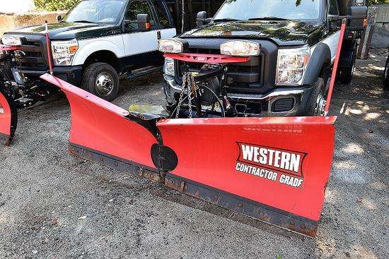 Western 9.5' Bifold Snow Plow w/ Mount