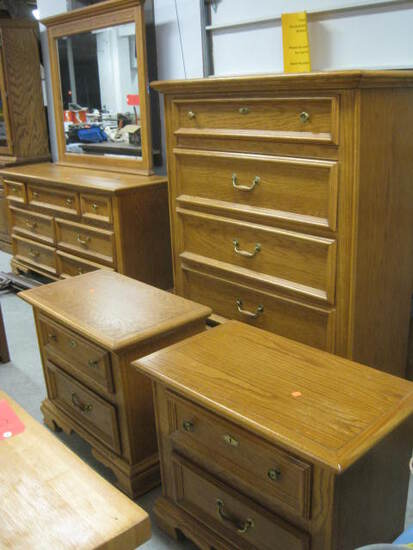 Stanley Oak Bedroom Set