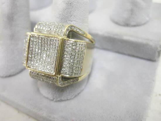 Man's 10k Yellow Gold & Diamond Ring