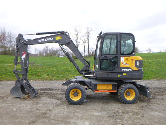 18 Volvo EW60E Excavator (QEA 7281)