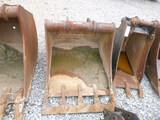 Terex 30 inch Bucket (QEA 1560)