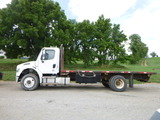 07 Freightliner M2 106 Truck ^Title^ (QEA 2881)