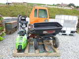 2 Pressure Washers - 2 Lawn Spreaders (QEA 2988)