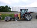 07 Massey Ferguson 573 Tractor (QEA 7989)