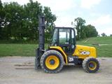 11 JCB 930 Forklift (QEA 7807)