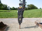 John Deere HH60 Breaker (QEA 8582)