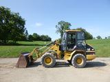 06 Caterpillar 908 Wheel Loader (QEA 8702)