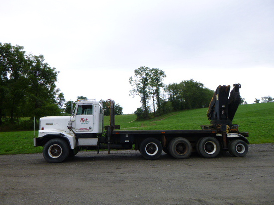 84 Kenworth C500 truck w/crane ^Title^ (QEA 3147)