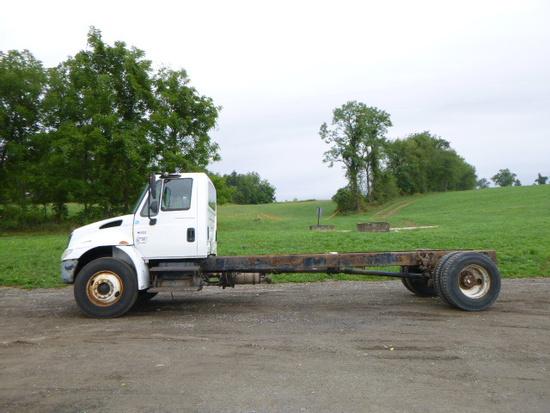 02 International 4400 Truck(2181) ^Title^ (QEA 3175)
