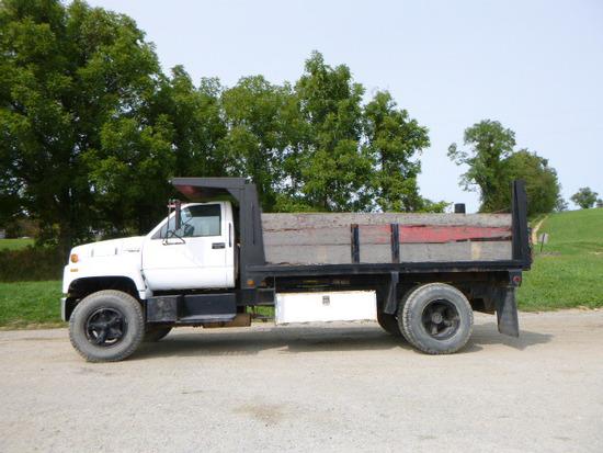 90 Chevy Kodiac Truck ^Need Title^ (QEA 3201)