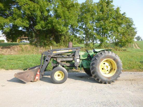 John Deere 2640 Tractor (QEA 7883)