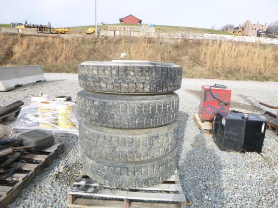 Pallet - 4 Tires & Rims 295/75R.2.5 (QEA 3962)