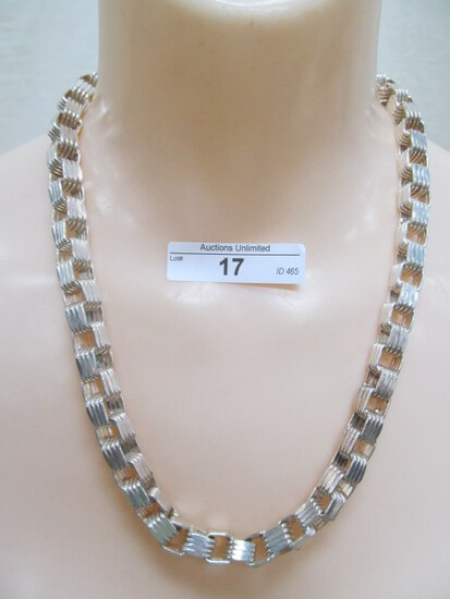17  STERLING SILVER MADE IN ITALY NECKLACE