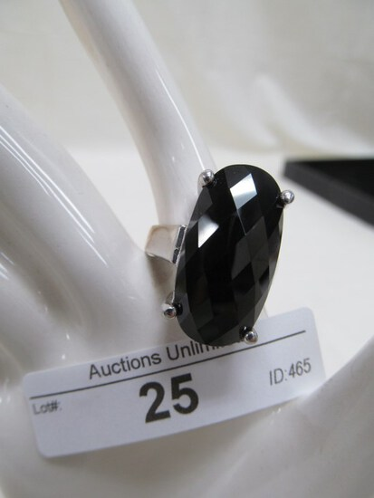 25 STERLING ONYX RING APPROX. 8