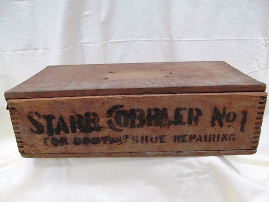 STAR COBBLER # 1 ANTIQUE WOODEN BOX WITH LID &SHOE ADVERTISEMENT note: hinge is broken