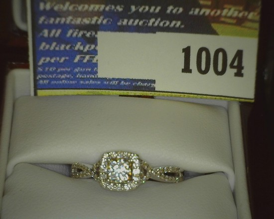Ladies 18K White Gold Wedding Ring in original Sales Box with Invoice for $4556.94 and Diamond Quali