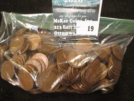 """(200) Mixed date and grade Lincoln """"Wheat back"""" Cents."""""""