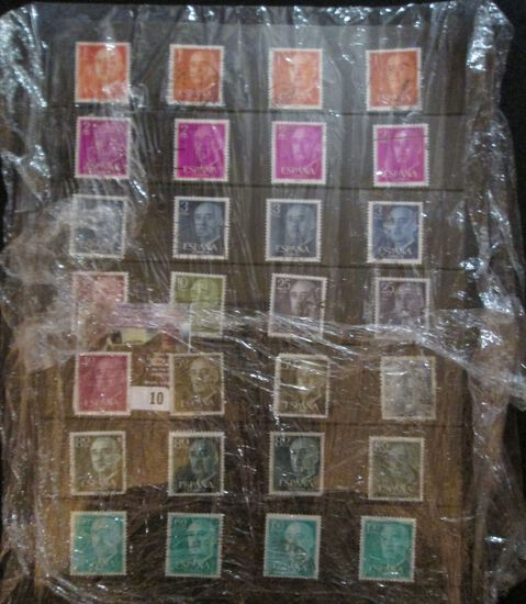 28-piece Type Set Of Spanish Stamps.1 Ptas To 150 Ptas, Displayed In A Mounting Page.