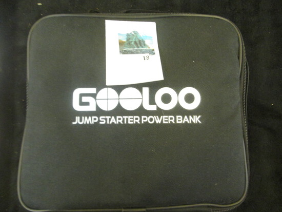 Gooloo jump starter power bank model GP180 new in bag with all accessories, connection cords and ins
