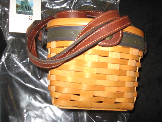 Longaberger Collectors club edition miniature basket purse with leather strap and protector,dated 20
