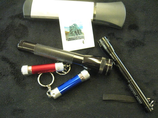Group of 5 small flashlights, includes maglight and LEDS
