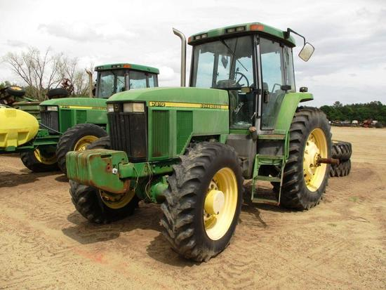JOHN DEERE 7810 TRACTOR CAB, 4WD, BOLT ON REAR DUALS, REAR WHEEL WEIGHTS, LIFTARMS, 3 SETS HYD