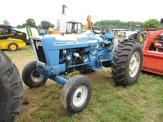 Ford 660 Tractor