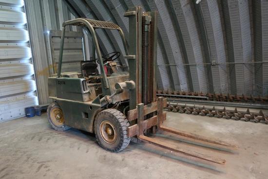 Clark CY40B Forklift