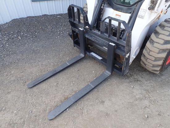 """Bobcat 42"""" Skid Steer Pallet Forks"""