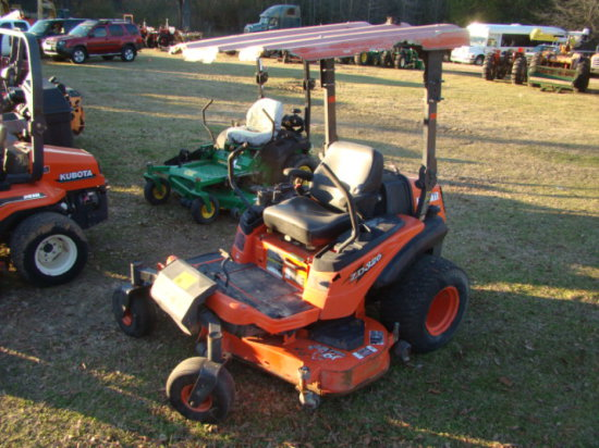 KUBOTA ZD326 ZERO TURN LAWN MOWER