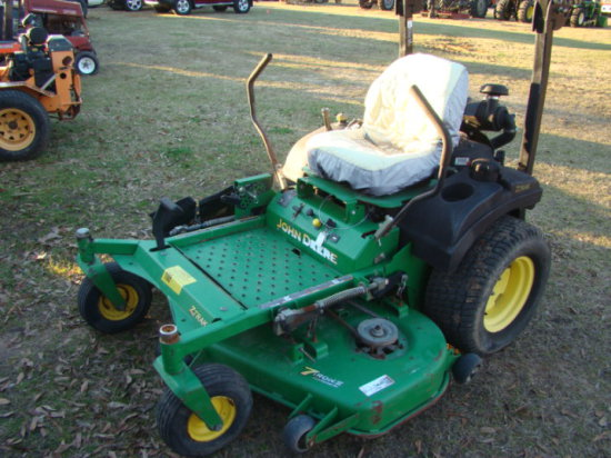 JOHN DEERE 727A ZERO TURN LAWN MOWER