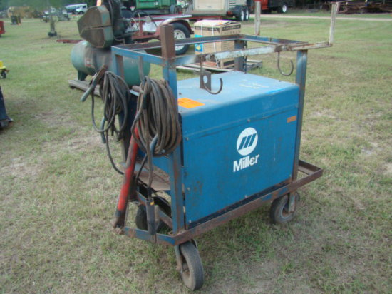 MILLER ELECTRIC WELDER WITH LEADS