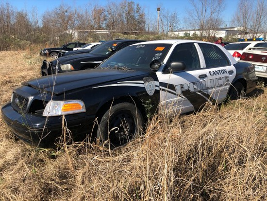 (INOP) (T) 2011 FORD CROWN VICTORIA POLICE CRUISER