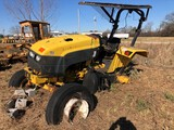 (INOP) B100 R1 NEW HOLLAND TRACTOR